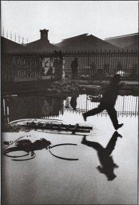 cartier-bresson.behindGareStLazare.1932