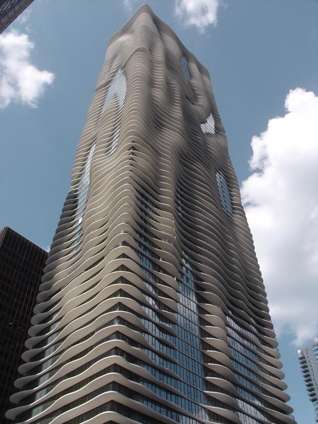 (Jeanne Gang, Aqua skyscraper, Chicago, Illinois)